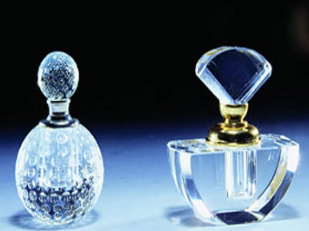 پاورپوینت بررسی شیمی آلی و عطرها