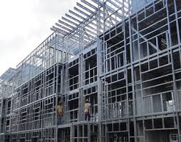 پاورپوینت سازه های فلزی پیش ساخته -قابهای خمشی معمولی و قاب های شیبدار سوله سازه مشبک خرپاها سازه کششی کابلی